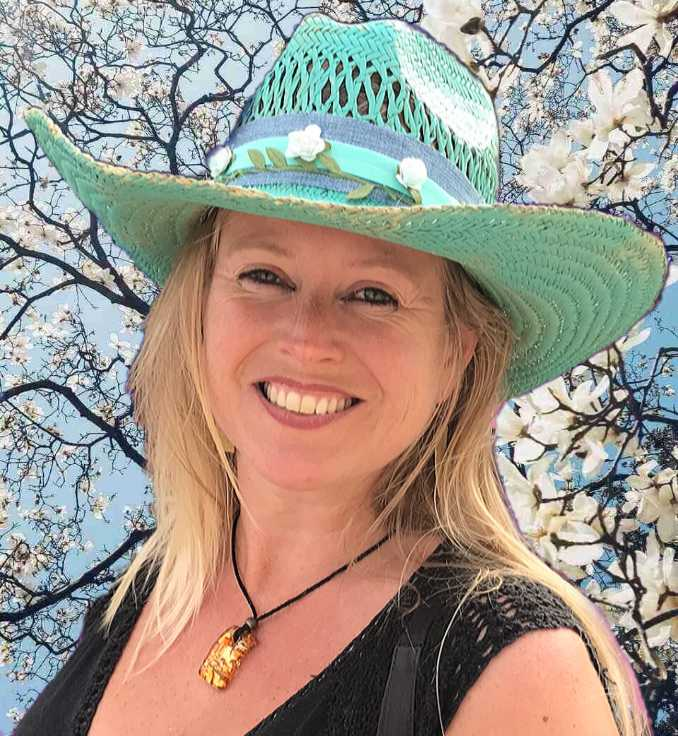 Kracht van kleur - Katrín met Turquoise hoed profielfoto